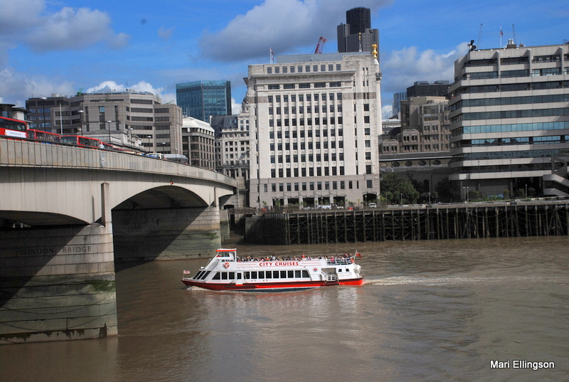 Cruising on the Thames on a Saturday morning...